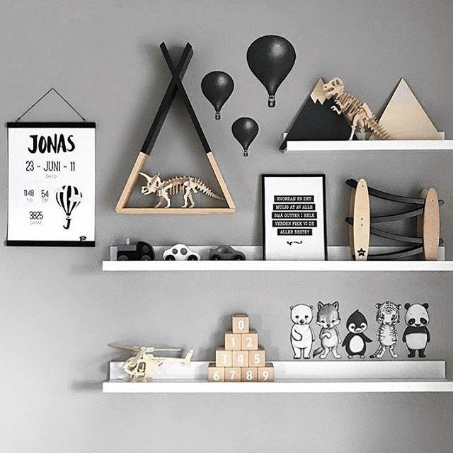 • by @elisabethaask • #barnrum#barnrumsinredning#barnrumsinspo#kiiidsinspiration#jungzimmer#børneværelse#babyzimmer#nusery#kids#kidsingram#childsroom#inspiration#nordic#style#inspration123#interior4all#color#blog#design#inspo#monochrome#love#blog#blogger#nordickidsliving