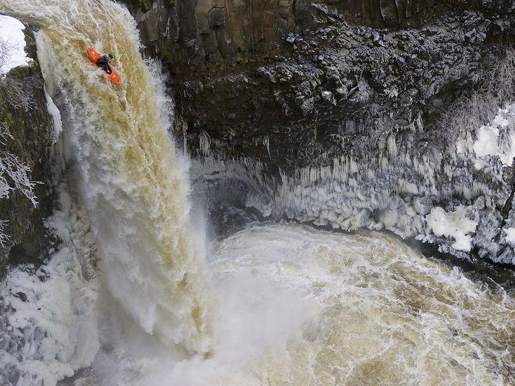 Nat Geo. Kayaking Outlet Falls, Washington