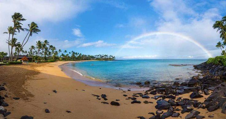 Colores en el cielo... Bon dia sonríe porque... SÍ estás viv@ #mar #sea #playa #beach #isla #island #oceano #ocean #paisaje #seascape #panorama #hawaii #maui #pacifico #pacific #arcoiris #rainbow // Fot.: T. Green