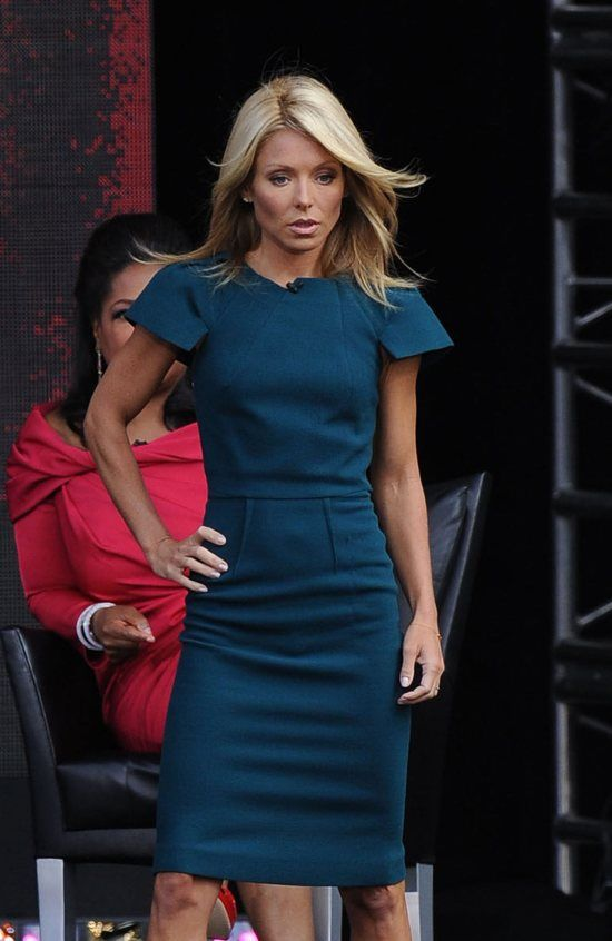 10 Things You Didn't Know About Kelly Ripa - Fame10