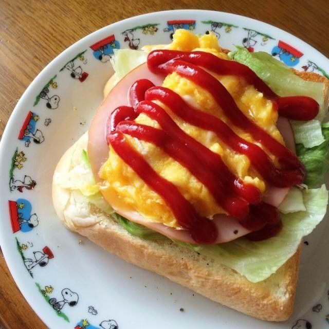 ヤマザキのダブルソフトをトースト  レタスとハムとたまごをのっけました!  うーん、、ボリューミー♡ - 65件のもぐもぐ - 日曜日の朝ごはん ♪ by miha