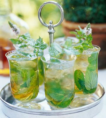This year's Kentucky Derby is right around the bend. Get fun ideas for a Kentucky Derby themed party here: http://www.bhg.com/party/birthday/themes/kentucky-derby-party-ideas/