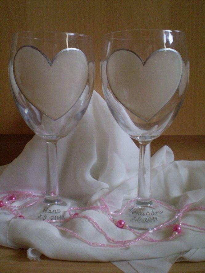 Zorana . Exclusive hand-painted wedding cups by Juliana Hamajdak. www.malovaneumenie.sk