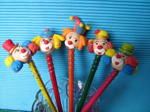 Ponteira de lápis de palhacinhos ( Só a carinha)- close. Lembrancinhas de aniversário em biscuit