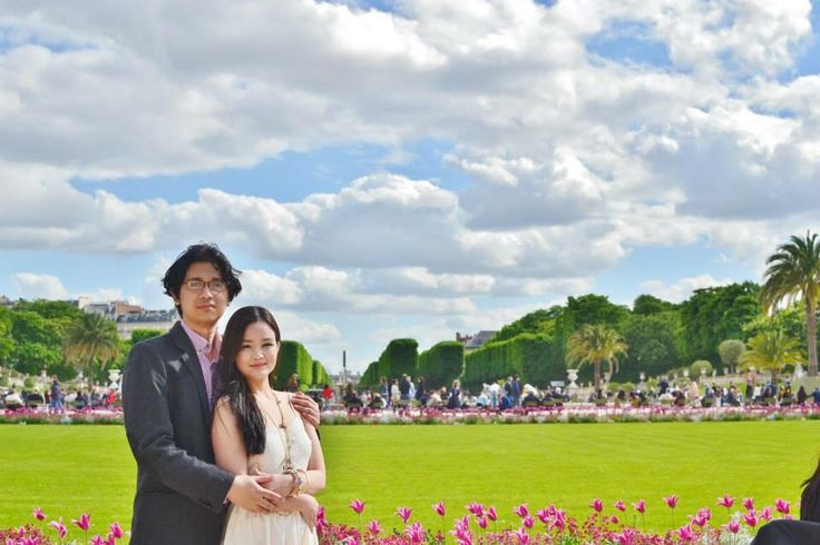 Jardin du Luxembourg DIY engagement shoot