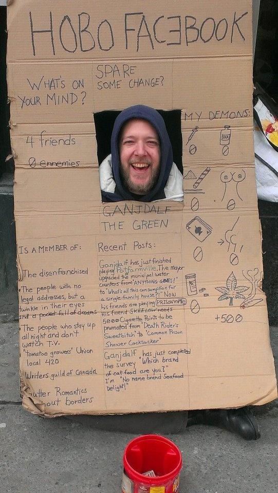 Anche un senzatetto canadese si è costruito a suo modo un profilo Facebook!