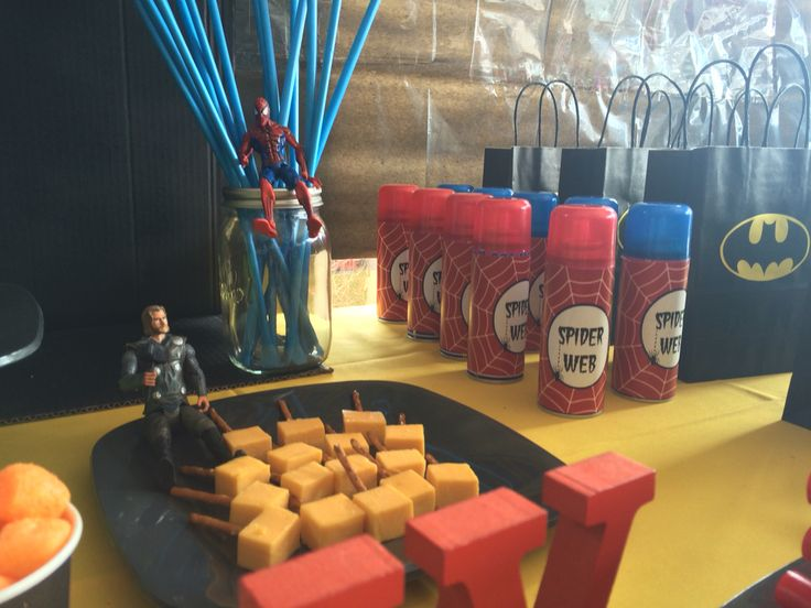 Thor Hammers and Spider spray (Silly String)