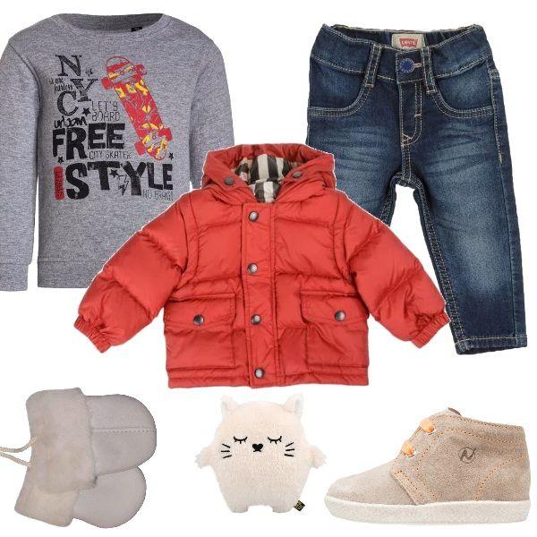 Per+la+prima+festa+a+casa+di+parenti,+vestiamo+il+nostro+piccolino+con+jeans+slim+fit,+felpa+sui+toni+del+grigio+e+fantasia+a+stampa,+piumino+rosso+con+cappuccio,+deliziose+scarpe+primi+passi+tortora/arancio,+guanti+caldi+in+pelliccia.+Non+dimentichiamo+di+portare+con+noi+il+suo+pupazzo+preferito.