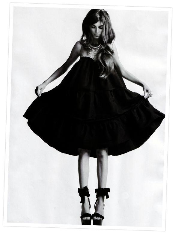 .: Dresses Shoes, Outfit, Black White, Black Shoes, Baby Dolls, Shorts Dresses, Big Hair, Little Black Dresses, The Dresses