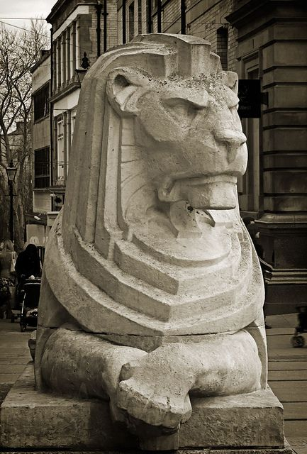 This is 1 of 2 Lions that sit on either side of the Council House in the Market Square, downtown Nottingham. A very popular place to wait for your date lol.