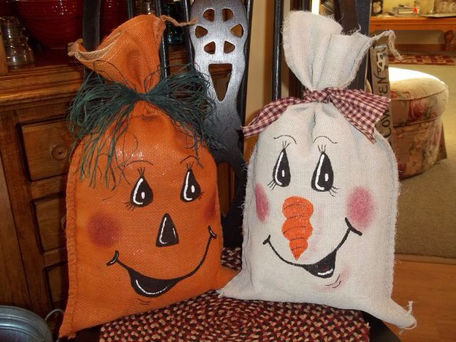 Image from http://www.tammiestrashtotreasure.com/catalog/images/burlapbagspupkinsnowman.JPG.
