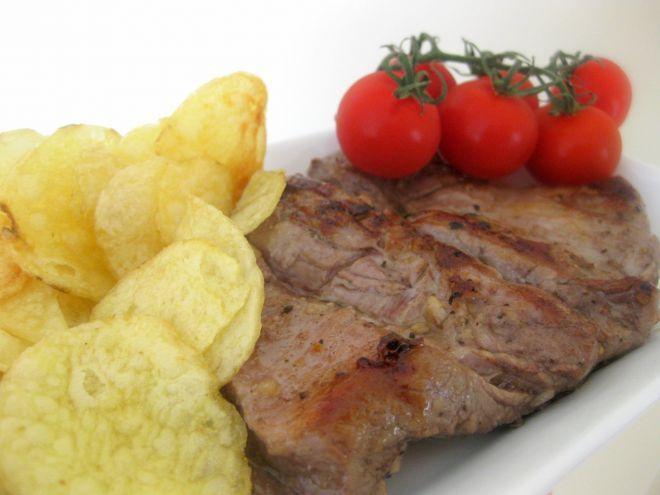 Receta Plato : Solomillo de cerdo a la plancha en marinada de vino tinto por Vegarabia