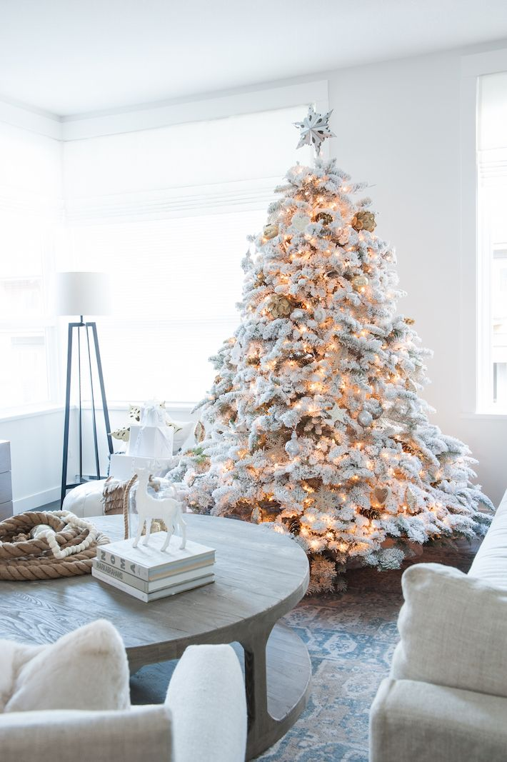 Flocked Christmas Tree | A White Christmas Photos by Tracey Ayton | http://monikahibbs.com:
