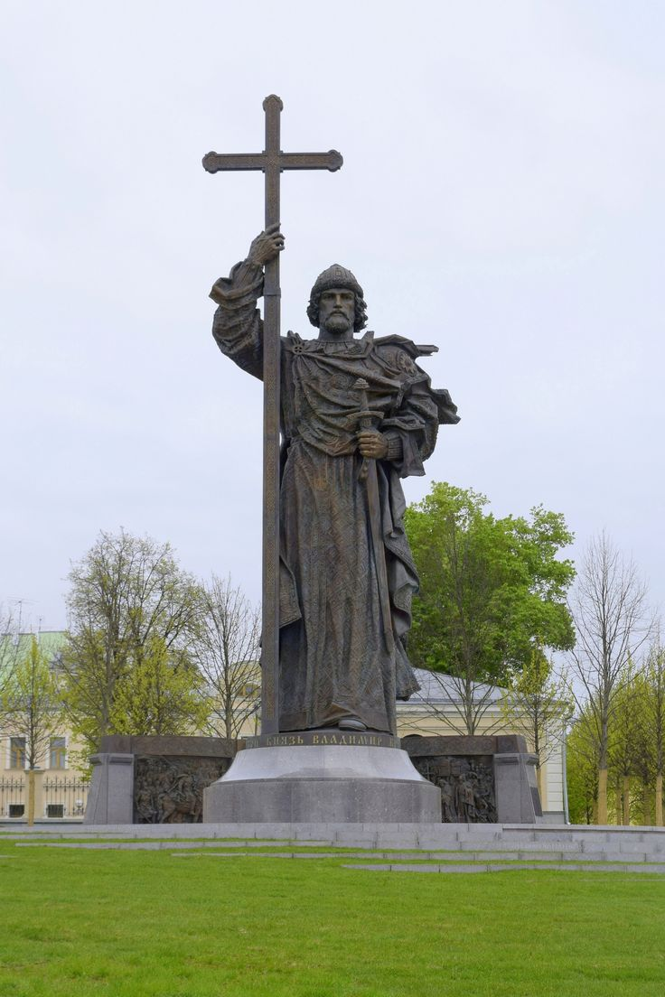 Резные памятники Бодайбо Мраморный голубь Смоленская (Арбатско-Покровская линия)