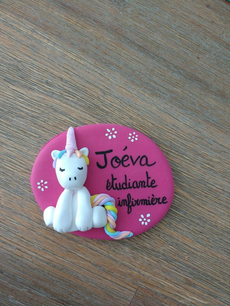 badge infirmier à personnaliser licorne multicolore : Pins, badges par estelle-badge-fimo