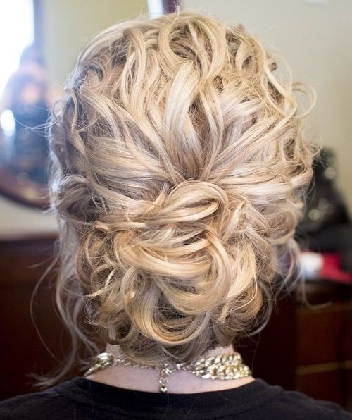 loose+curly+updo                                                                                                                                                                                 More