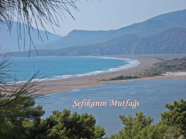 İztuzu Plajı, Dalyan -Türkiye _Erkek kardeşim yeni yerler keşfedelim abla deyince dün iki aile yola çıktık Fethiye'den sonra Göçek,Ortaca Ve Dalyan İztuzu plajına vardık.Tek kelimeyle muhteşem bir gündü manzara büyüleyici deniz güzel dahada güzel olanı bu güzellikleri birlikte paylaştığın yanında sevdiklerinin olması bence. #iztuzuplajı #iztuzu #türkiye #dalyan #ege #gününkaresi #objektifimden #tatil #deniz #sea #beach #beautifulday