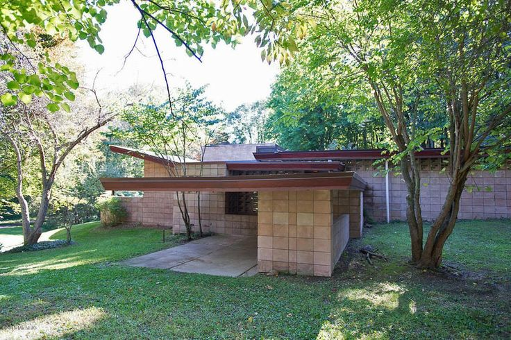 Samuel and Dorothy Eppstein Residence. Galesburg, Michigan. 1948. Usonian Style. Frank Lloyd Wright. In subdivision called 'The Acres'