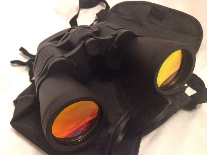 Krachtige verrekijkers - dag en nacht visie - 7 x 50  Zoom verrekijkers dag en nacht visie doelstelling van 50mm ideaal voor de jacht toezicht stargazing zien races en vogels spotten. Met de tas en caps. Ongebruikte in nieuwstaat zoals in de foto's. Veilige verpakking.  EUR 95.00  Meer informatie