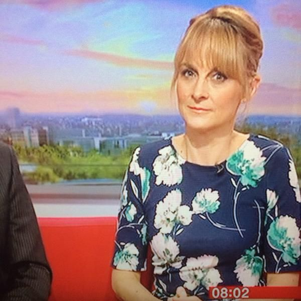 The lovely Louise Minchin wearing Phase Eight on BBC Breakfast this morning.