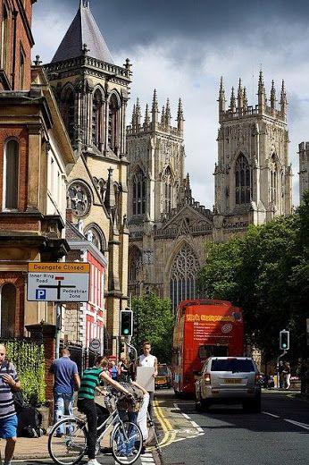 планета Земля– Сообщество– Google+Йоркский собор — готический собор в английском городе Йорке, который оспаривает у Кёльнского собора звание самого большого средневекового храма на севере Европы.