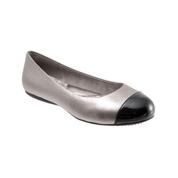 Women's SoftWalk Napa Flat ($100) ❤ liked on Polyvore featuring shoes, flats, ballet flats, casual, metallic ballet flats, black evening shoes, black ballet shoes, ballet pumps and black flats