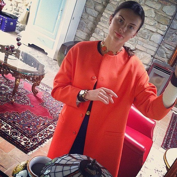 Red cocon coat