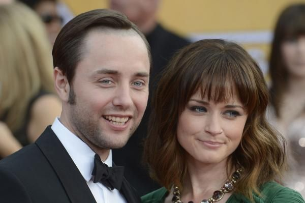 "Annie Martin LOS ANGELES, Jan. 5 (UPI) -- ""Gilmore Girls"" star Alexis Bledel will star with Elizabeth Moss, Samira Wiley and Joseph Fiennes…"