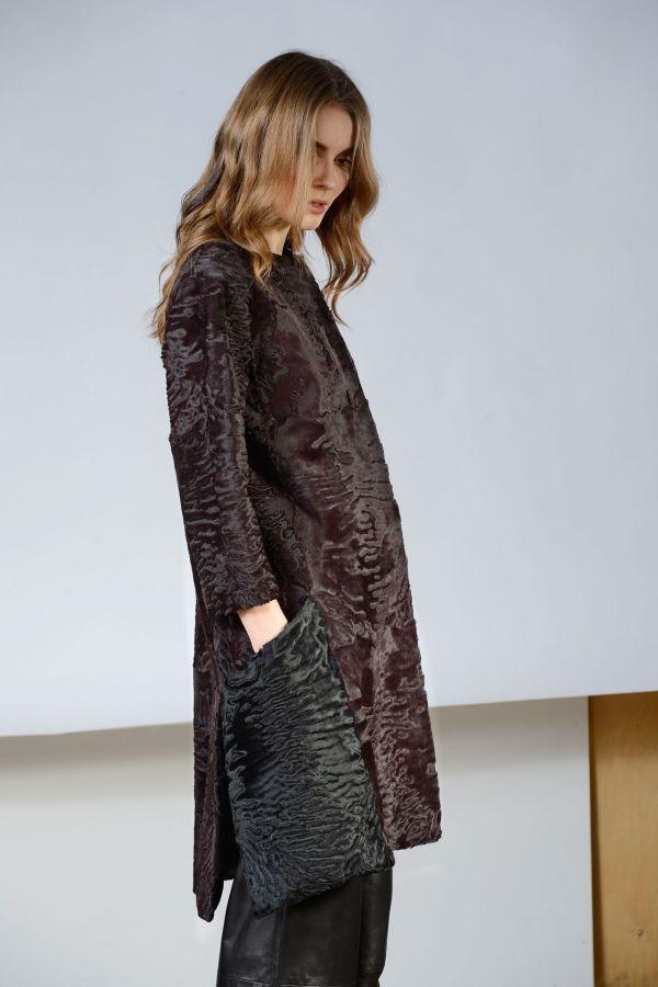 SAMOS - Plum colour/black swakara coat | SimonettaRavizza.com