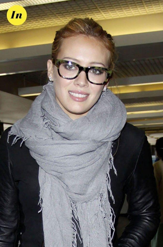 Les lunettes de vue tendance rétro de Hilary Duff