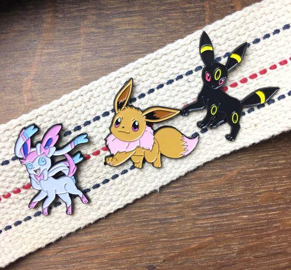 Liebevolle Familie Pack Pokemon Emaille-Pins-Nachtara, Slyveon & Eevee Anstecknadeln