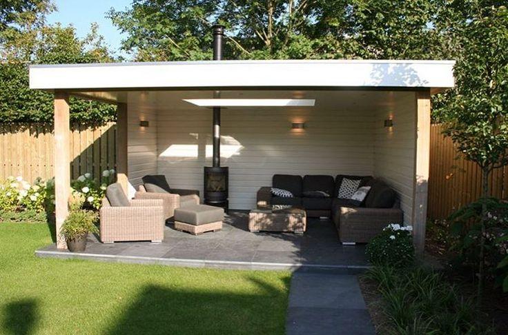 Heerlijk genieten in een buitenkamer van Jan de Boer Tuinhuizen! ☀️ #jandeboer #tuinhuizen #buitenleven #buitenkamer #genieten #landelijkesfeer #interieur #accessoires #tuinhuisje #huisjeboompjebeestje #landelijkestijl #veranda