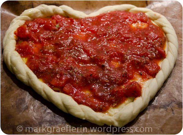 Es muss nicht immer Süß sein. Für deinen #HERZhaften Partner auch eine leckere Pizza!