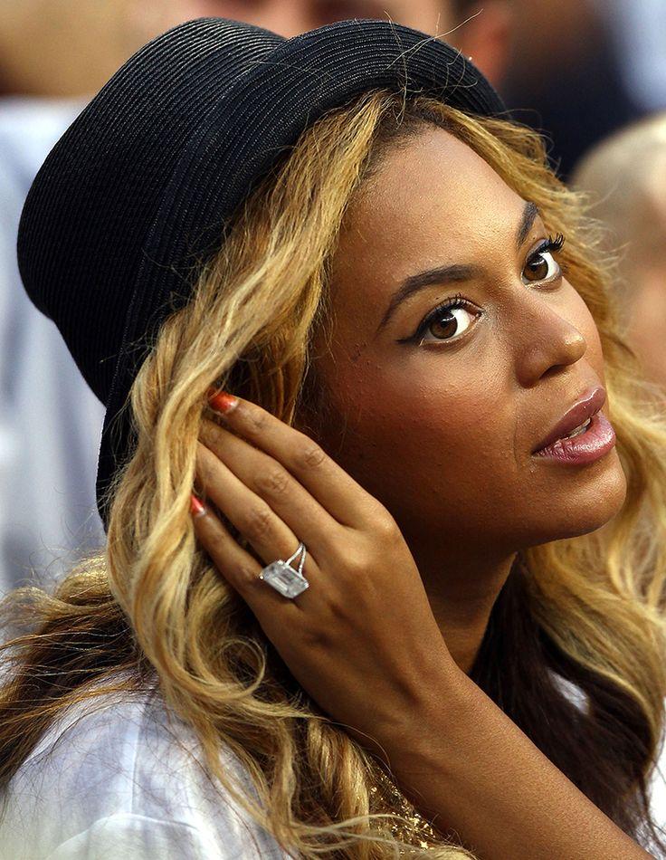 Anel de noivado da cantora Beyoncé, avaliado em 5 milhões de dólares (Créditos: The Sun)