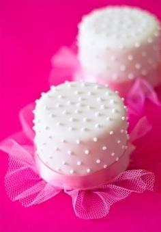 Dotted cupcakes, marshmellows...idea starter