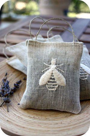 Burlap embroidered cicada bags