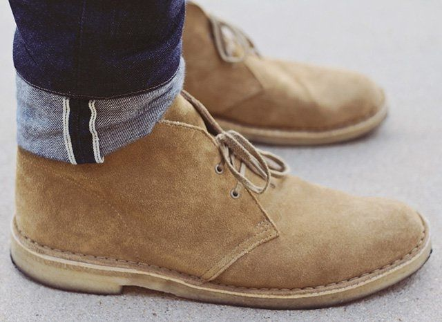 OAKWOOD DESERT BOOTS BY CLARKS