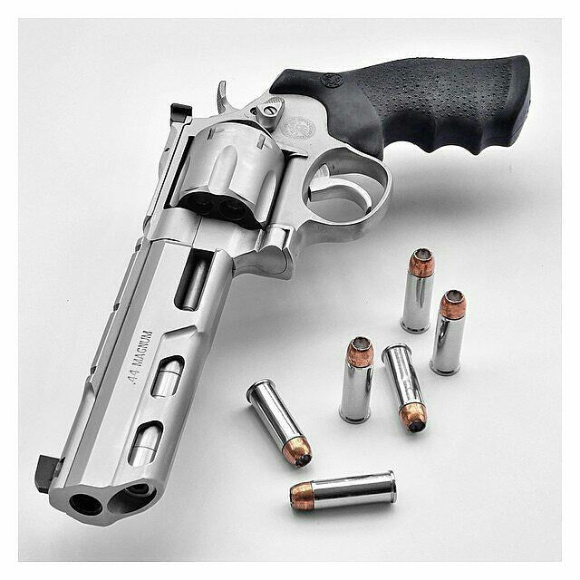 rifle big and beautiful singles C sharps arms co, inc has been in the sharps rifle business for over 35 years and more importantly has been in the business of producing some of the finest quality firearms available.