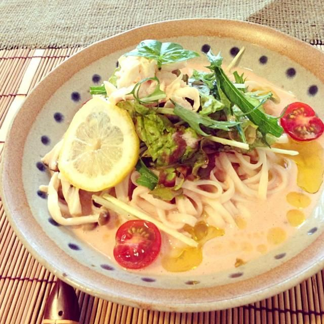 これ、凄い美味しかったー(๑´ڡ`๑)ぺろり ランチに作ったけど、明日の夜、家族みんなでまた夜ご飯に作ろう!!  marimariさん、美味しいレシピありがとうございます!  この夏の定番リピにしまーす( •ॢ◡-ॢ)-♡ - 50件のもぐもぐ - marimariさんの冷たい豆乳トマトうどん by aiko0111
