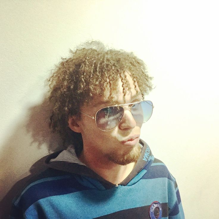 Con ganas de más rizos, Afro👌🏻. Wanting more curls, Afro👌🏻.