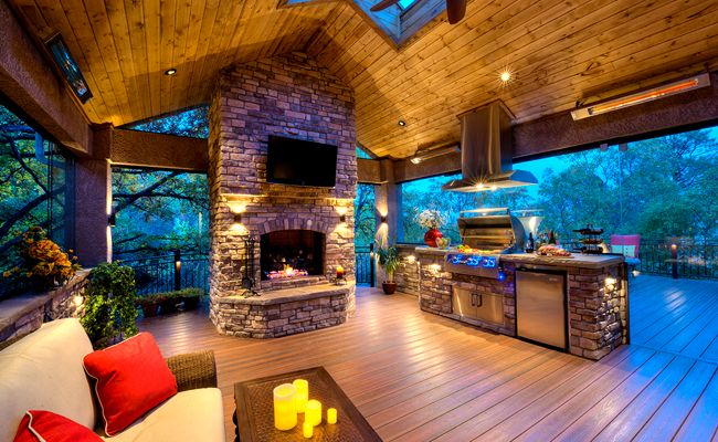 We spoke to Mosaic Outdoor Living & Colorado Custom Decks founder Garth about why he uses Infratech heaters on Mega Decks & in his designs.