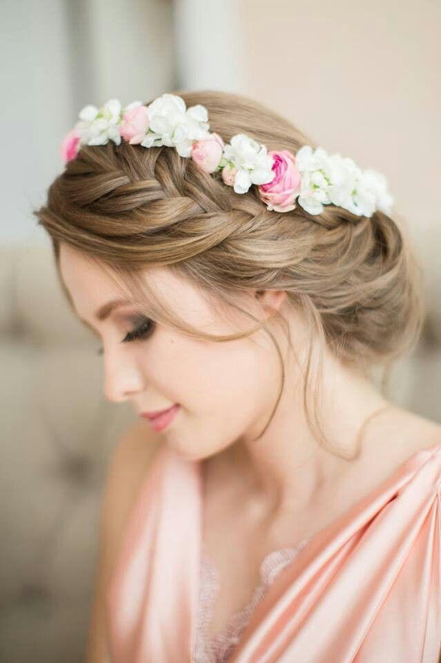 peinados para novias con coronas de flores - Buscar con Google
