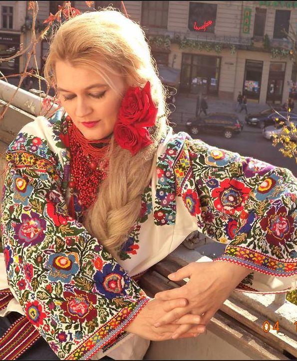 Romanian fashion traditional folk