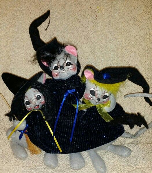Annalee 2005 Mouse  Witches.  Reminds me of Hocus Pocus.
