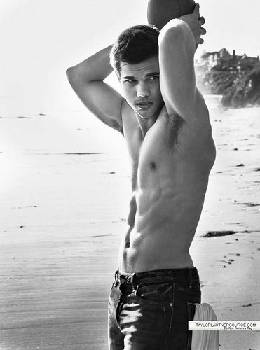 Taylor Lautner.  mmm<3