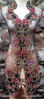 Kebaya Rafflesia 2013 with batik halus.