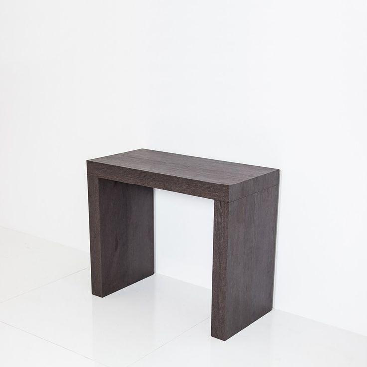Consolle allungabile semplice ed elegante, ideale per tutte le abitazioni.