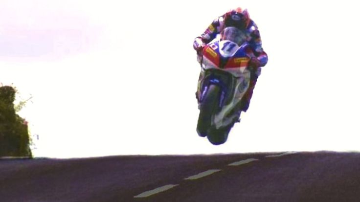 """The Greatest Show On Earth【HD】320kph / 200mph Street Race ★ 'ISLE of MAN' TT ★. THE WORLD'S GREATEST MOTOR-SPORTING EVENT - The """"ISLE of MAN..."""