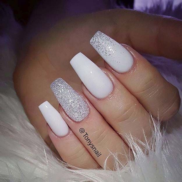 Nail Art Ideas For Coffin Nails All Powder White Simple Step By Step Design Coffin Design Idea White Acrylic Nails White Glitter Nails Trendy Nails