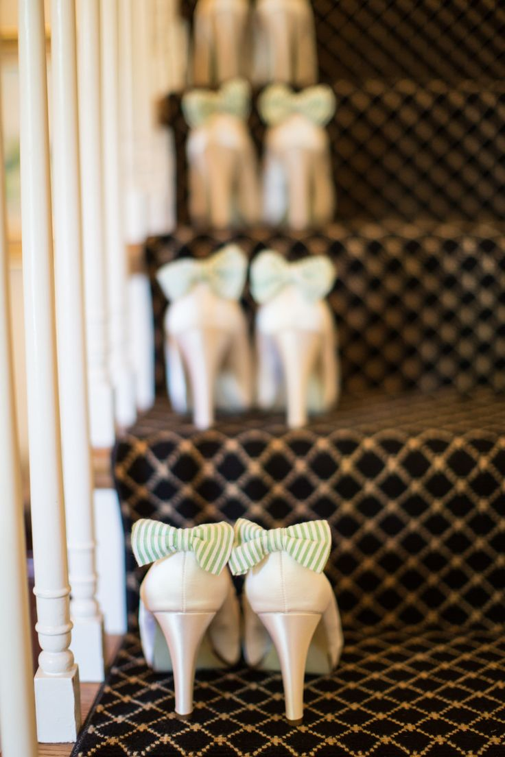 #Bridesmaids #Shoes | Green Bows were used throughout the wedding - See more on SMP -- http://www.stylemepretty.com/illinois-weddings/2014/01/13/classic-bows-seersucker-michigan-shores-club-wedding/ Christina G Photography